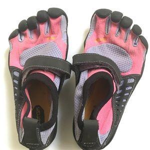 Girls Vibram 5 Finger Toes Shoes Jr29/11